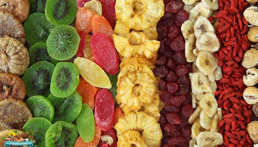 Kurutulmuş tropikal meyveler